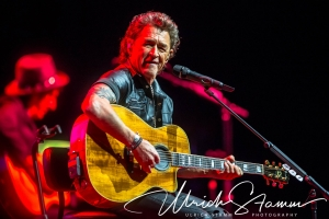 "Peter Maffay & Band ""MTV Unplugged Tour 2018"" in der TUI Arena"